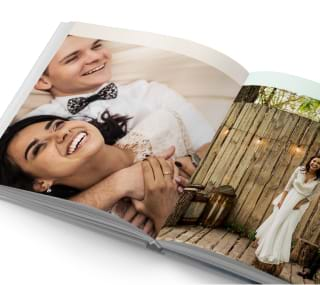 Add your own photos to a wedding photo book